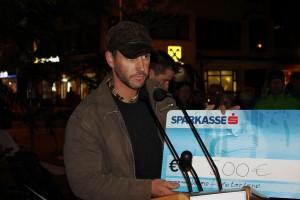 Ernst Schiller vom Verein Vaterland übergab eine Spende in der Höhe von 500 Euro zur Unterstützung einer Familie mit behindertem Kind in Itter.