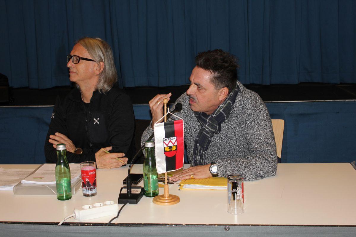 Wörgler Gemeinderat 5. November 2015 - Grün-GR Richard Götz und Mag. Alexander Atzl (rechts).
