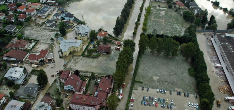 Luftbild aus Wörgl vom Inn-Hochwasser 2005. Foto: Land Tirol