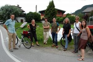 Mitglieder der Freigarten-Gründungsgruppe mit Permakultur-Aktivistin Marlies Ortner (2.v.l.).