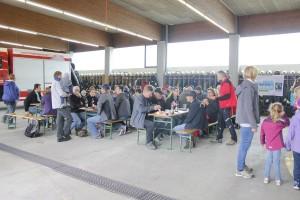 Die Feuerwehr Wörgl war wieder Drehscheibe der Aktion Sauberes Wörgl und servierte den TeilnehmerInnen im Feuerwehrhaus zur Belohnung eine Jause.