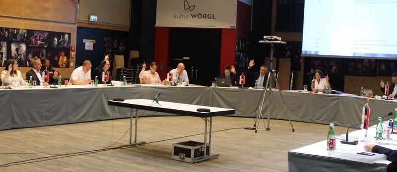 Der Wörgler Gemeinderat tagte am 10. Mai 2016. Foto: Veronika Spielbichler