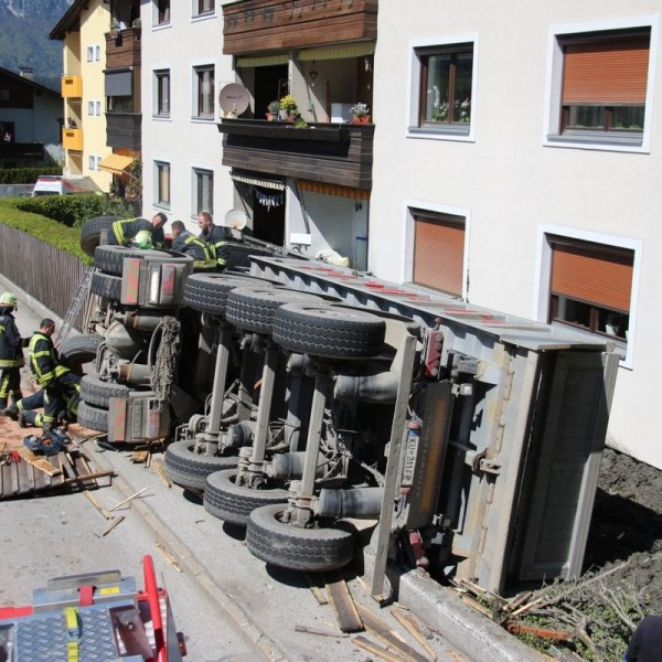 Verkehrsunfall am 29. April 2016 auf der Wildschönauerstraße. Foto: Wilhelm Maier