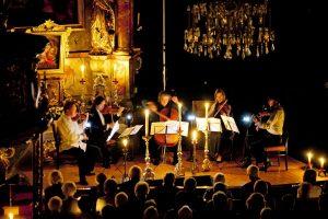 Musikgenuss in der barocken Pfarrkirche: Foto Trinkl