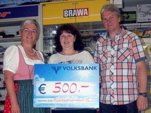 Von links Ingrid Schipflinger (SGS), Anni Taxer und Gebhard Taxer. Foto: Wilhelm Maier