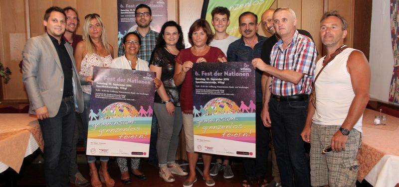 Standbetreiber und Veranstalter präsentierten gemeinsam das Programm fürs 6. Fest der Nationen in Wörgl. Foto: Wilhelm Maier