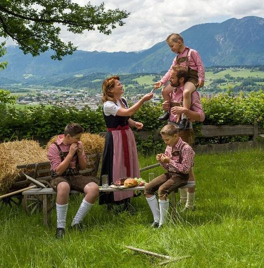 Landwirtschaft und Tradition im Einklang mit modernem Leben – so zeigt sich der Erlebnistag der Bergbauern in Wörgl. Foto: Hannes Dabernig.