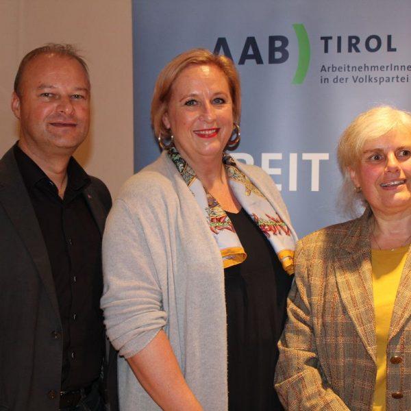 Polit-Dialog mit EU-Abgeordneter Mag. Claudia Schmidt am 7.10.2016 in Wörgl. Foto: Veronika Spielbichler