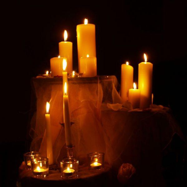 Am Sonntag, 11. Dezember, findet in der Kapelle des BKH Kufstein eine Lichterfeier für verstorbene Kinder statt. Foto: Privat