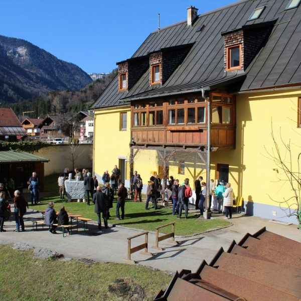 Ausstellung 25 Positionen aus 25 Jahren - Kunstverein Freunde zeitgenössischer Kunst Kramsach 2017. Foto: Veronika Spielbichler