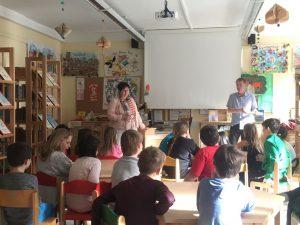 DI Peter Warbanoff beim Workshop in der Volksschule Kirchbichl. Foto: Komm!unity