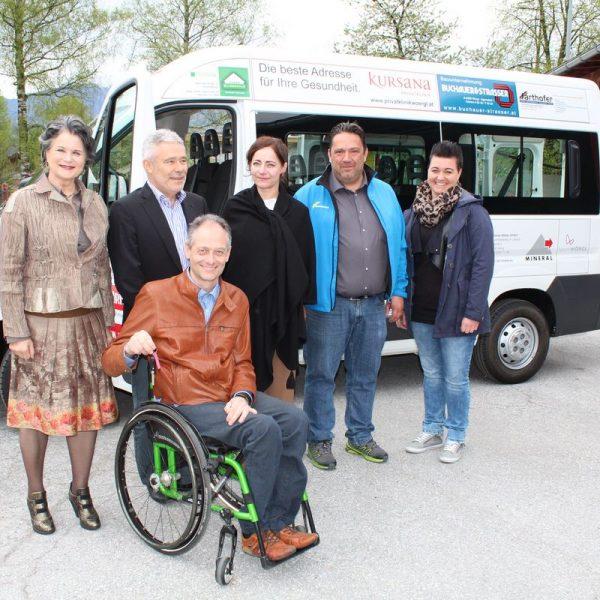 Schlüsselübergabe für den neuen Wörgler Sportbus am 13.4.2017. Foto: Veronika Spielbichler