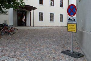 Vorplatz Musikschule Wörgl Mai 2017. Foto: Veronika Spielbichler
