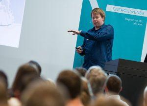 Jesper Risting referierte über die Radinfrastruktur in Kopenhagen. Die dänische Hauptstadt gilt neben Amsterdam als Vorreiter in Europa. Bildnachweis: Mallaun