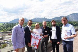 Auf dem Bild v.l.n.r.: Othmar Knoflach, Land Tirol, Josef Margreiter, Tirol Werbung, Corinna Lanthaler, Tirol Werbung, Wolfram Hinnenthal, ADFC Bett+Bike Service GmbH, Manuel Demetz, helios sustainable communication und Ernst Miglbauer, invent Büro OÖ. Bildnachweis: ofp kommunikation (honorarfrei)