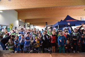 Viele strahlende Gesichter gab es bei der Siegerehrung vom Kids Cup zu sehen. Bildnachweis: ofp kommunikation