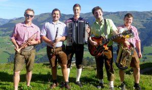 """""""Die jungen Tiroler"""" sorgen am Sonntag, den 18. Juni ab 11 Uhr für beste Unterhaltung beim Frühschoppen im Mamma Mia in Wörgl. Foto: Haun"""