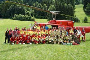 Mitglieder aller Tiroler Rettungsorganisationen nahmen erstmals an einer gemeinsamen Hubschrauberübung teil. Foto: FF Bad Häring