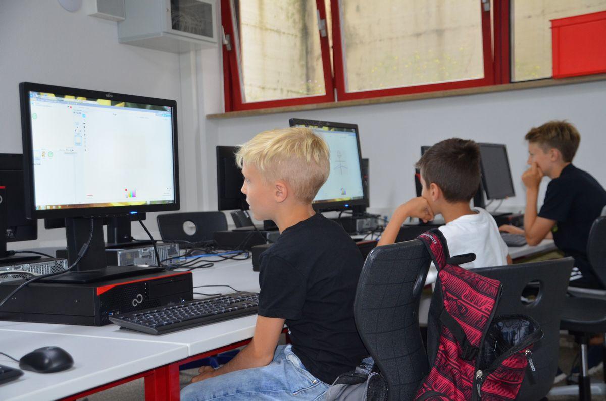 Coding4Kids soll das Bewusstsein für die Herausforderungen, aber vor allem der Chancen der Digitalisierung in der Region schärfen - und das bereits in jungen Jahren. Bildnachweis: i.ku