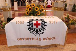 Segnung neue Fahne Rotes Kreuz Ortsstelle Wörgl am 15.8.2017. Foto: Wilhelm Maier