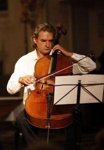 Ramon Jaffé ist künstlerischer Leiter des Kammermusikfestivals in Hopfgarten. Foto: Trinkl