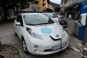 """Mobilität ohne fossile Brennstoffe: die Wörgler Stadtwerke bieten mit dem """"Flo"""" ein E-mobiles Car-Sharing an. Foto: Veronika Spielbichler"""