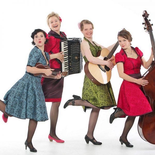"""Die vier Damen der Gruppe """"Frieda"""". (Foto Birgit Schwaighofer)"""