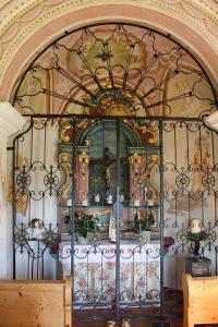 Der Altarraum der Doagl-Kapelle. Foto: Spielbichler