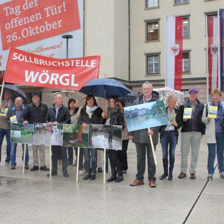 Hochwasser-Initiative Wörgl am 1. Oktober 2014 in Innsbruck. Foto: Veronika Spielbichler