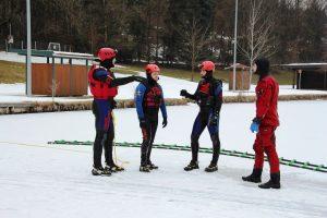 Wasserrettung - Eisrettung im Strandbad Kirchbichl Februar 2018. Foto: Wilhelm Maier
