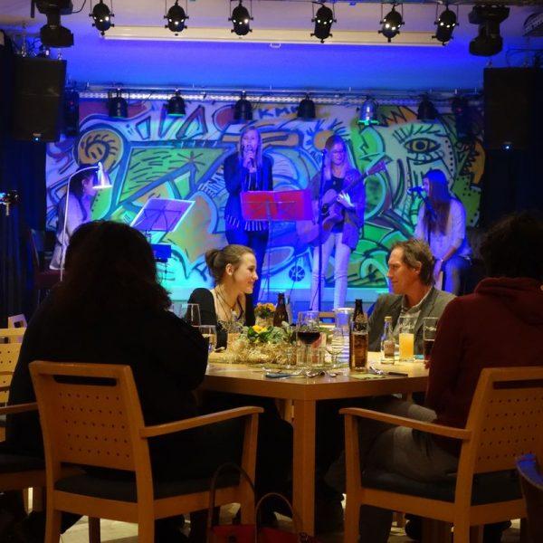 Am 8. März 2018 startete der Dinnerclub in der ZONE Wörgl, Brixentalerstraße 23. Foto: komm!unity