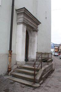 Wörgler Stadtpfarrkirche bracht dringend Fassadenrenovierung - März 2018. Foto: Veronika Spielbichler