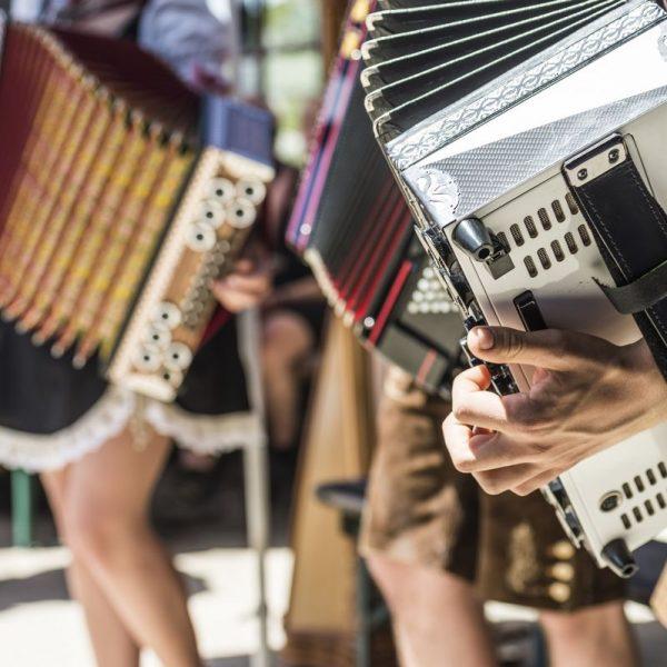 Von 10. bis 13. Mai 2018 finden in Angerberg die Ziehharmonika Staatsmeisterschaften statt. Foto: TVB Ferienregion Hohe Salve