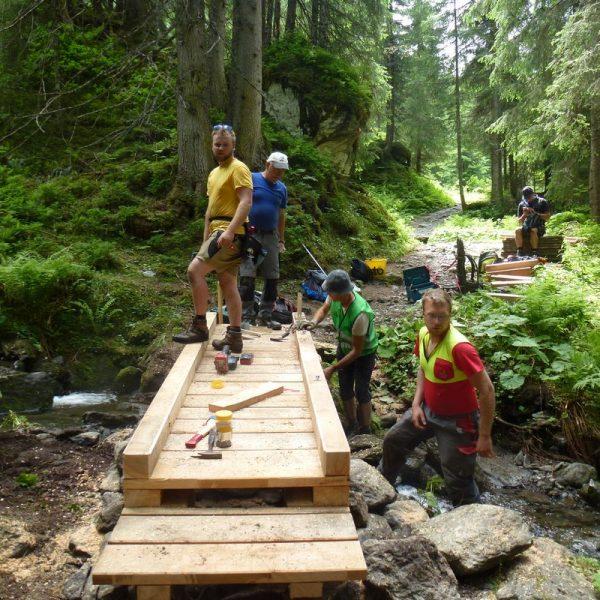 Der Weg zur Bamberger Hütte zählt zu den sanierten Wanderwegen im Gebiet der Ferienregion Hohe Salve. Foto: TVB