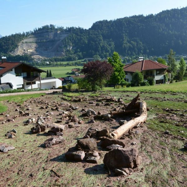 Unwetterschäden in Wörgl Mayrhofen - Stögersiedlung nach Gewitter am 8.8.2018. Foto: Veronika Spielbichler