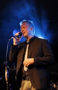 Big-Band Wörgl Revival - Gesangssolo von Peter Schrattenthaler.