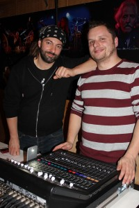 Big Band Wörgl Revival - Ton- und Lichttechniker Andy Winderl und Ramon Kohlmann (rechts).
