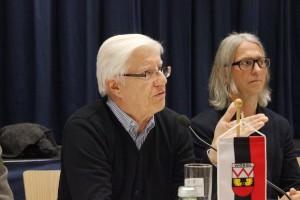 Öffentliche Gemeindeversammlung im Komma Wörgl am 19.11.2015 - v.l. FWL GR Wohnungsreferent Ekkehard Wieser und Grün-GR Umweltreferent Richard Götz.