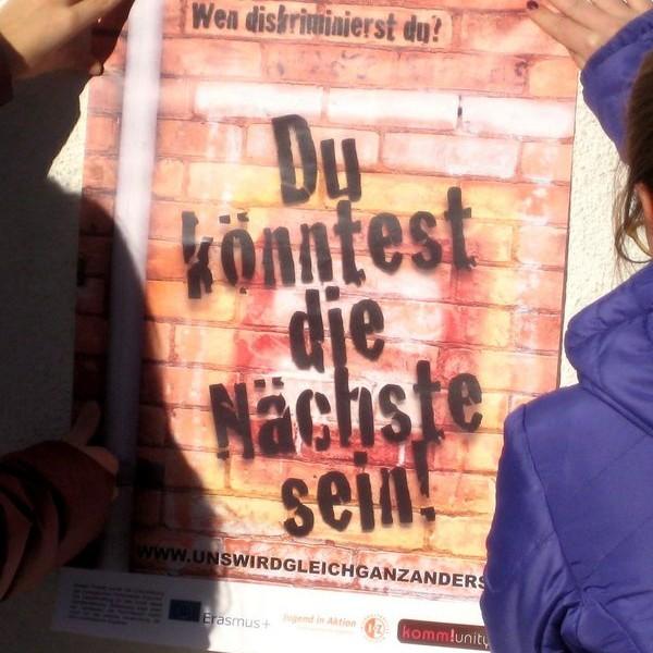 Plakataktion gegen Diskriminierung. Foto: Komm!unity