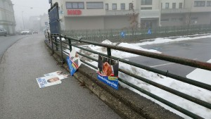 Zerstörte FWL-Wahlwerbung. Foto: Wiechenthaler
