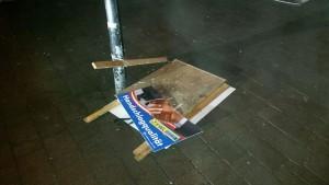 Neuerlich Ziel von Vandalenakten wurden zahlreiche Plakatständer der FWL in Wörgl. Foto: Wiechenthaler