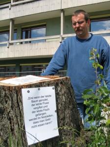 Protest Dr. Taxacher gegen Baumrodung KR-Pichlerstraße
