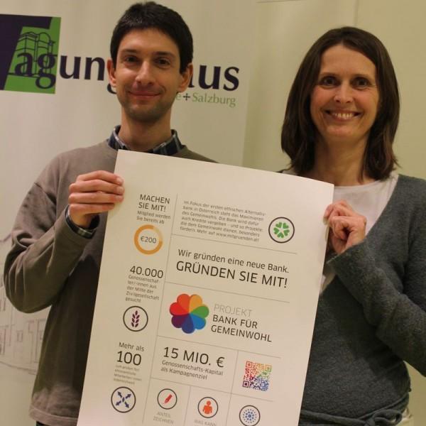 Martin Pobitzer und Monika Falbesoner von der Regionalgruppe Tirol/Projekt Bank für Gemeinwohl informierten in Wörgl über die Gründung der ethischen Bank.