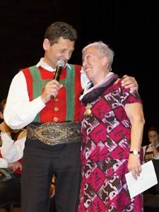 Glücklich über einen wunderbaren Abend im Erler Festspielhaus: Organisatorin Elisabeth Cerwenka und Moderator Franz Posch. Foto: Elmar Mayr