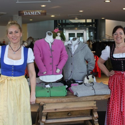 Tiroler Strick & Walk Stapf in Wörgl - neues Verkaufslokal in der Wörgler Bahnhofstraße eröffnet.