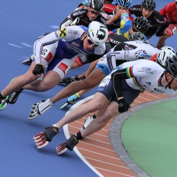 Von 3.-5. Juni 2016 liefern sich die Speedskater beim Europacup wieder heiße Rennen - hier im Bild mit Startnummer 98 Thomas Petutschnigg (AUT) und Startnummer 97 Alexis Contin (FRA –Europameister). Foto: SC Lattella