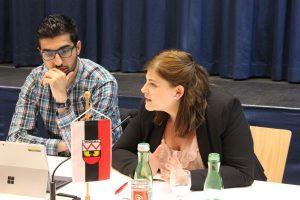 GR Kayahan Kaya (links) und Ersatz-GR Julia Lettenbichler. Foto: Veronika Spielbichler