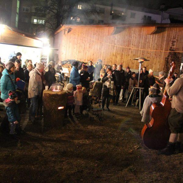 Adventmarkt Team Wörgl 3.12.2016. Foto: Veronika Spielbichler