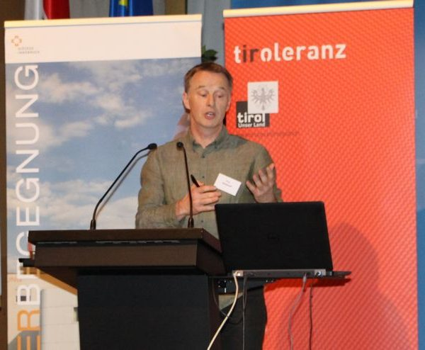 Wörgls Integrationsbeauftragter bei der Tiroler Integrationsenquete 2016. Foto: Iris Reichkendler