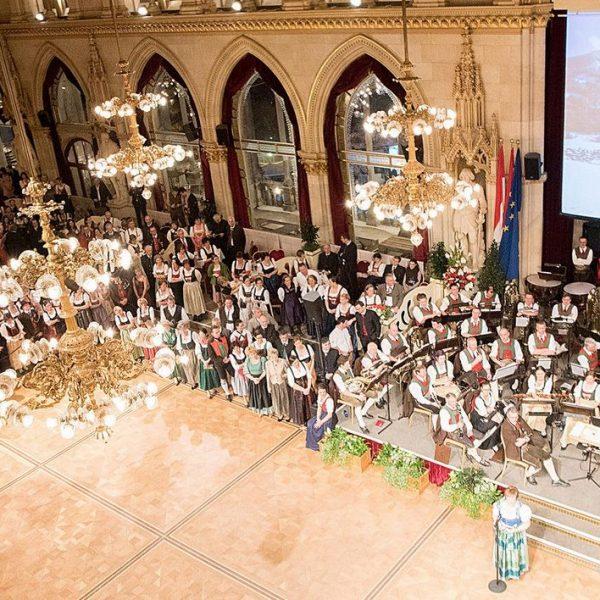 Die Stadtgemeinde Wörgl wird heuer mit dem Tirolerbund den Tirolerball im Wiener Rathaus gestalten. Foto: DieEventFotografen